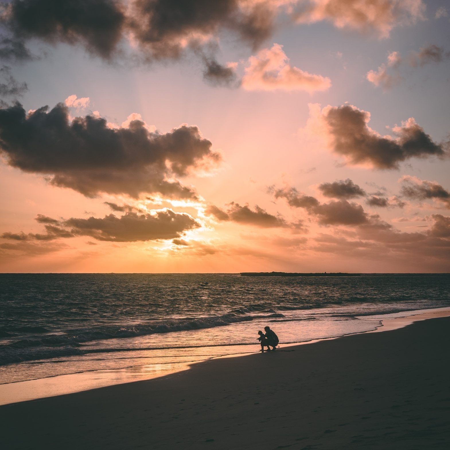 beach-child-dad-1142951